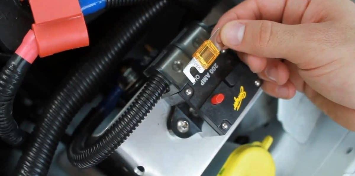 Car amplifier fuse
