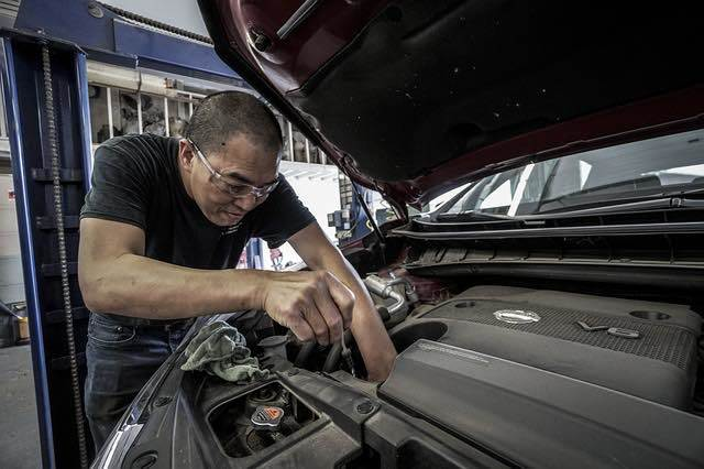Book a car mechanic appointment