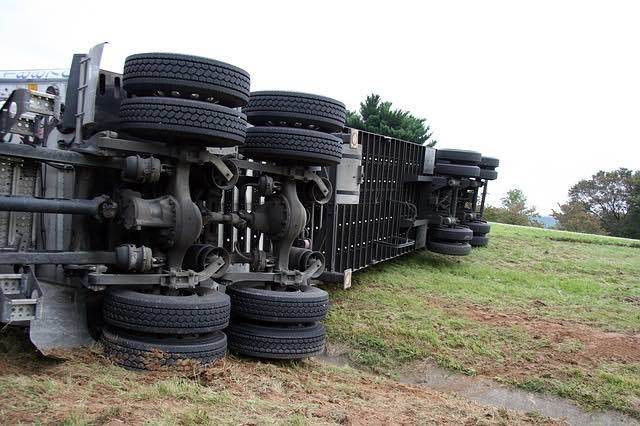 Semi-truck tires advanced mechanical troubles