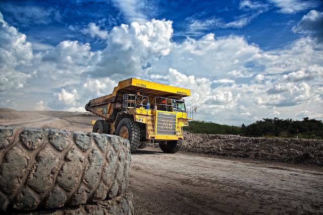 Tips to Keep in Mind When Moving Heavy Machinery